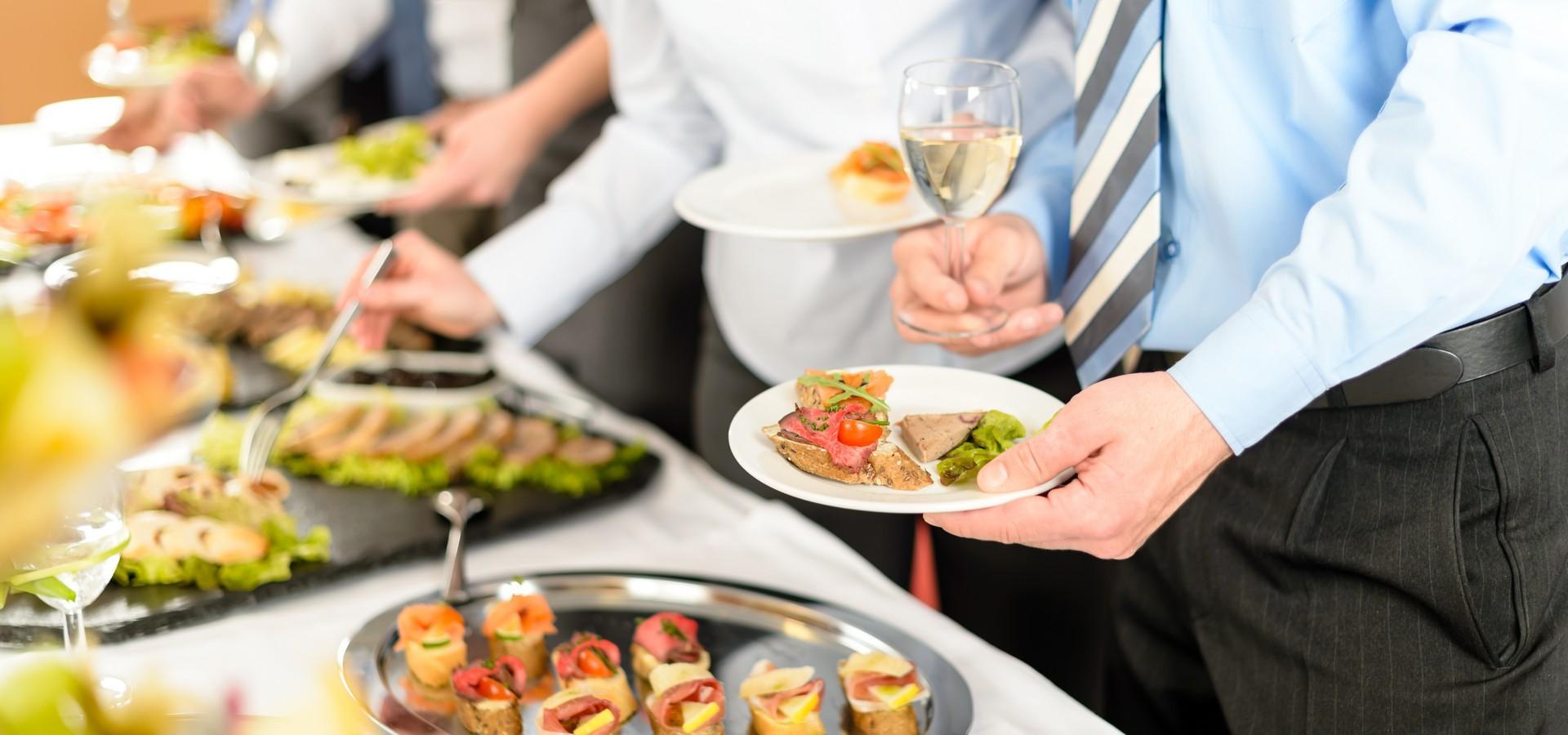 Régaler ses invités avec un buffet d'exception réalisé par un traiteur expérimenté basé à Paris