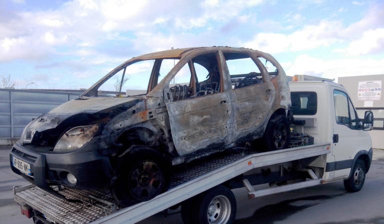 Organiser l'enlèvement de sa voiture et l'envoyer au centre VHU choisi pour sa destruction