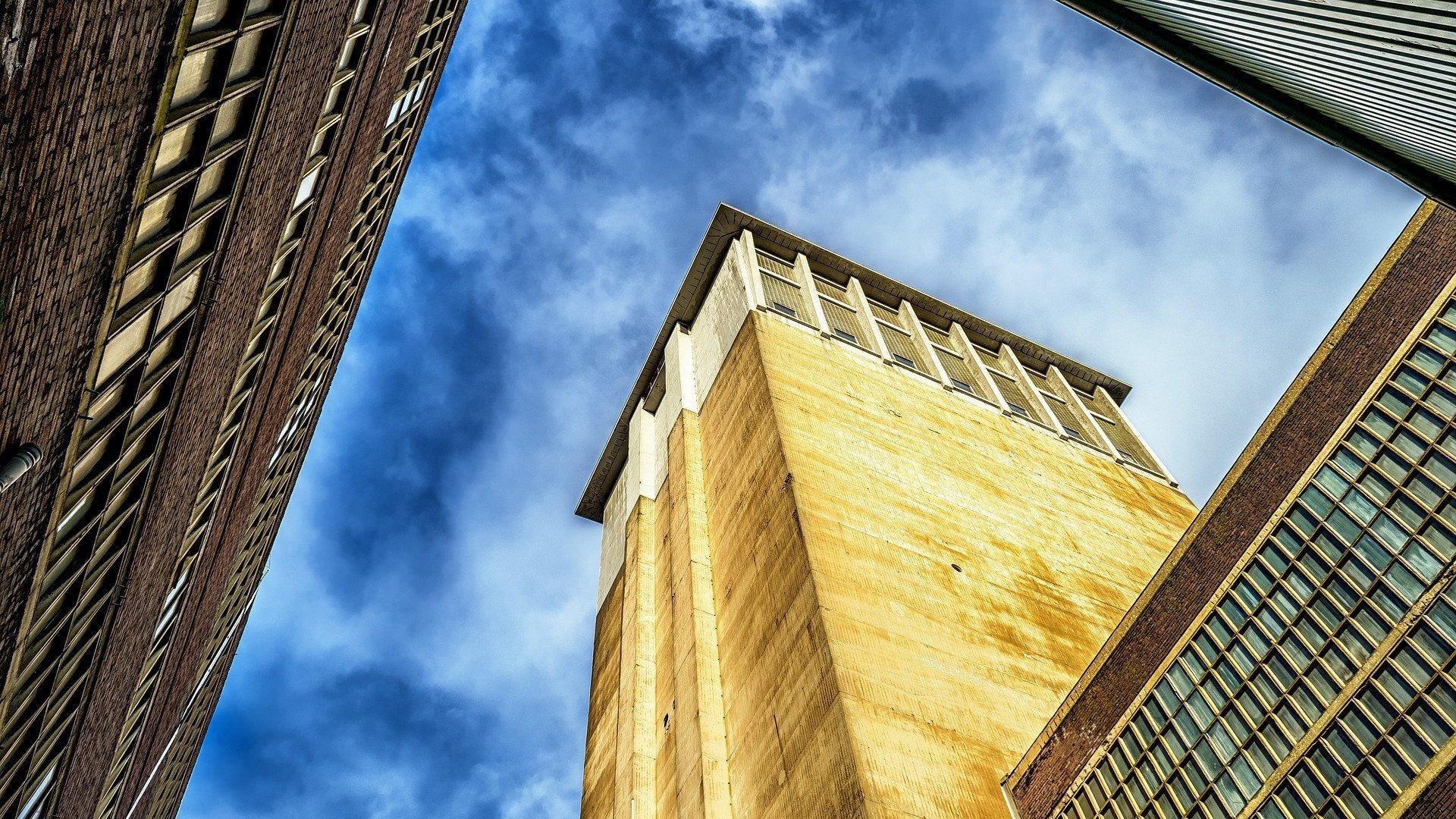 Pourquoi la nacelle sera-t-elle indispensable pour la rénovation de votre toiture