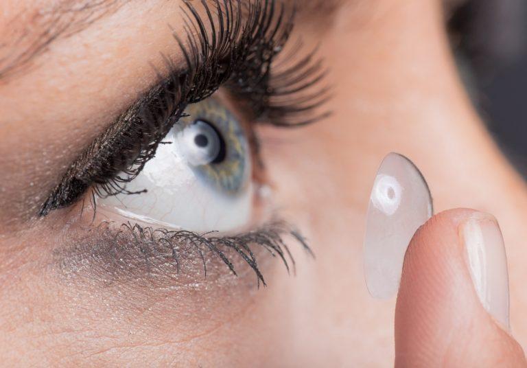 Nettoyer ses lentilles avec des produits de qualité