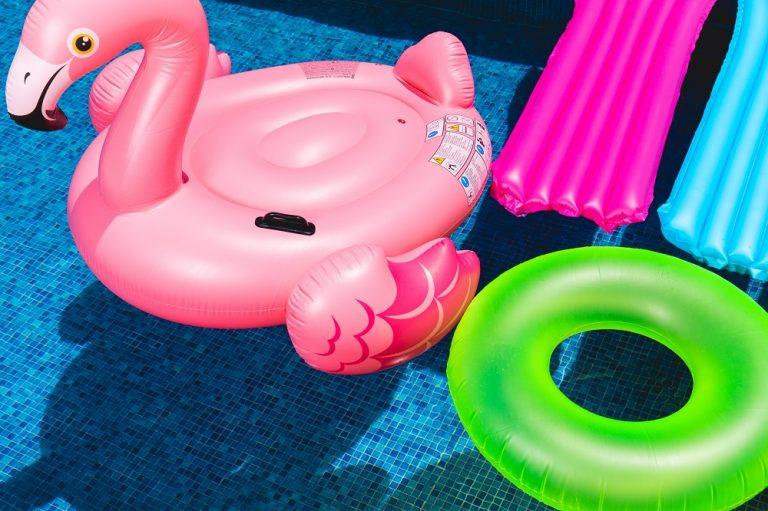 Nos astuces pour éviter l'eau verte dans votre piscine