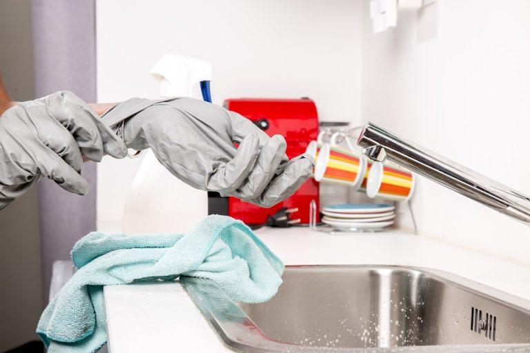 Astuces pour bien choisir une femme de ménage