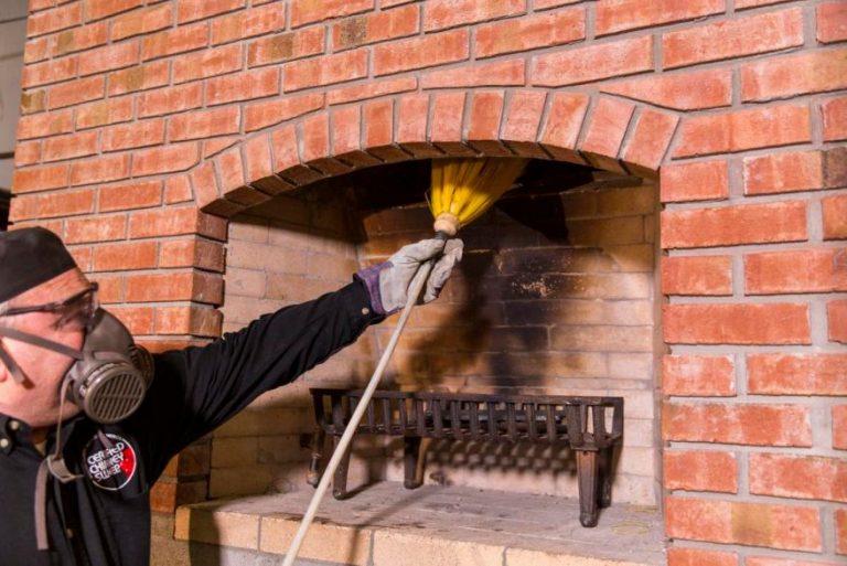 Principe de ramonage de cheminée